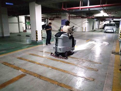 桂林中海元居住宅小区使用洗地机为物业加分