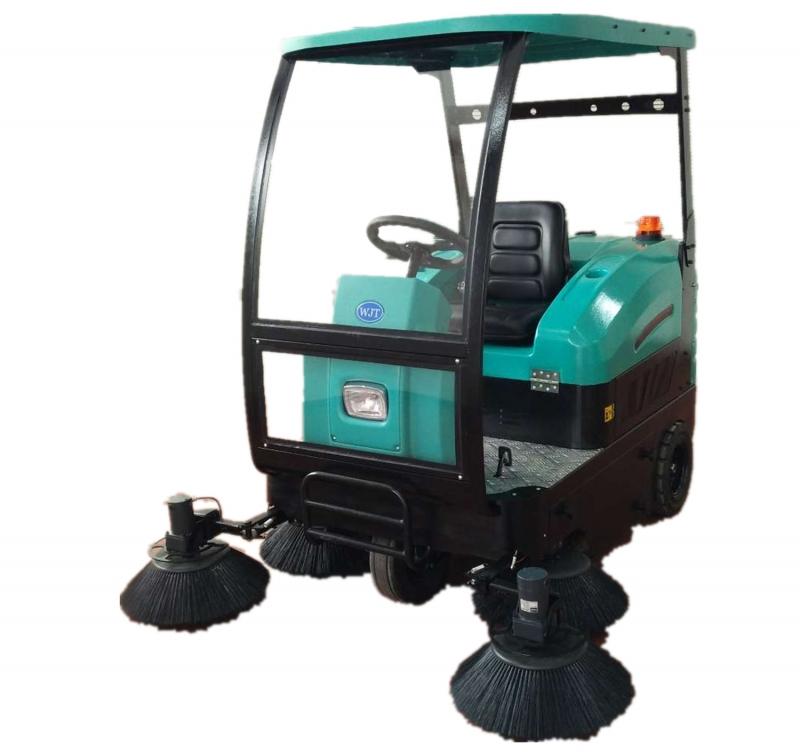 北海嘉和城选择环壮扫地机清扫小区路面