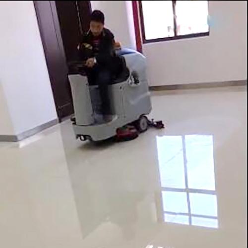 南宁写字楼瓷砖地面清洁用迷你洗地车Ranger 660B