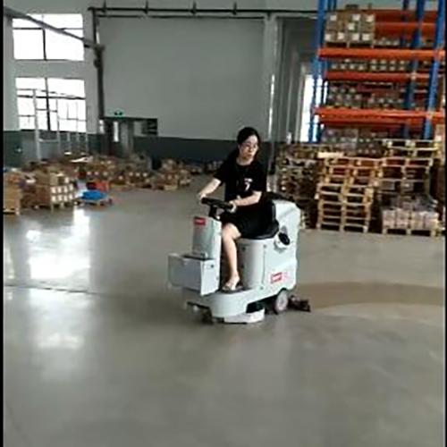 南宁仓库用小型洗地车Ranger 660B