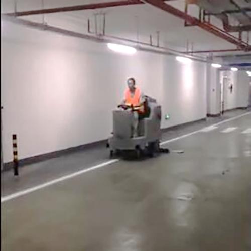 南宁大型地下停车场用洗地车Dragoon 100B