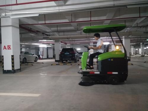 地下停车场泥沙粉尘清扫用南宁电动扫地车