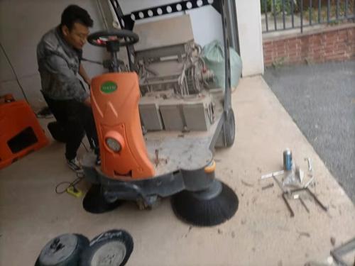 南宁环壮日常巡检清洁设备使用情况获客户好评